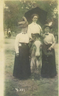 Three Pierson Ancestors at Colorado Springs in 1912.